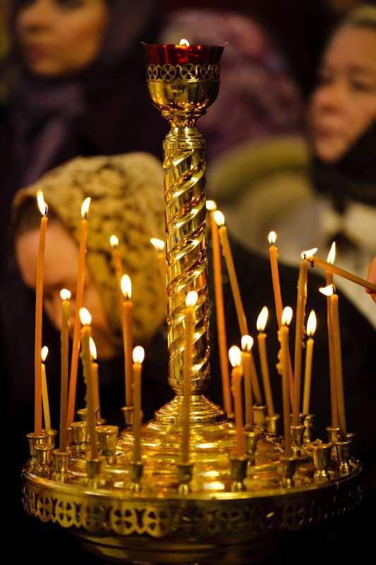http://preobraz.kiev.ua/wp-content/uploads/2010/10/candles.jpg